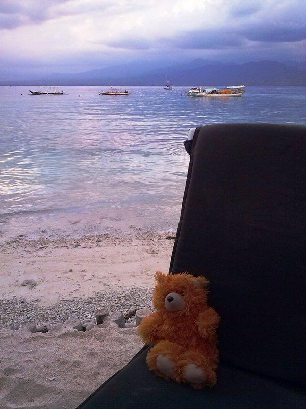 The Adventure of Teddy Panda in Gili Trawangan (3/6)