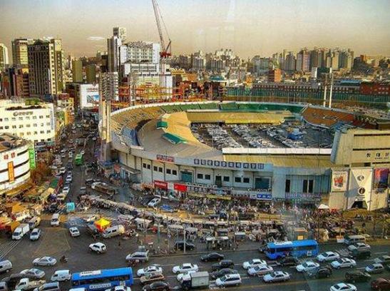 Pusat-Perbelanjaan-Dongdaemun