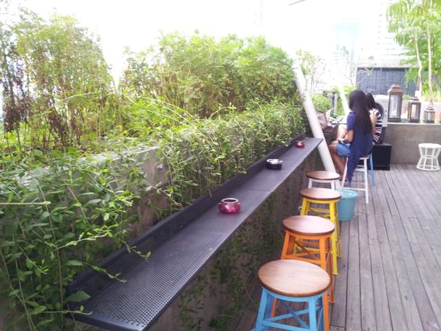 Tempat wisata kuliner di awan lounge