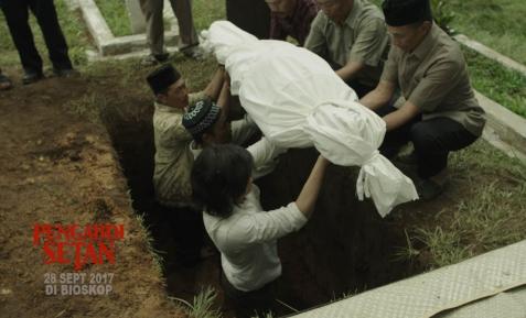 Pengabdi-Setan-2017-BookMyShow-Indonesia-1