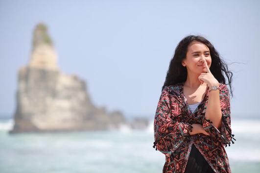 the-gift-movie-film-indonesia-kecantikan-ayushita