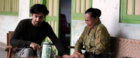 the-gift-movie-indonesia-christine-hakim